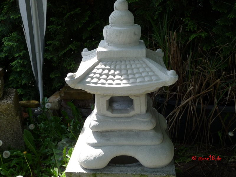 Stoneart steinfiguren aus monheim betonfiguren for Japanische gartenfiguren